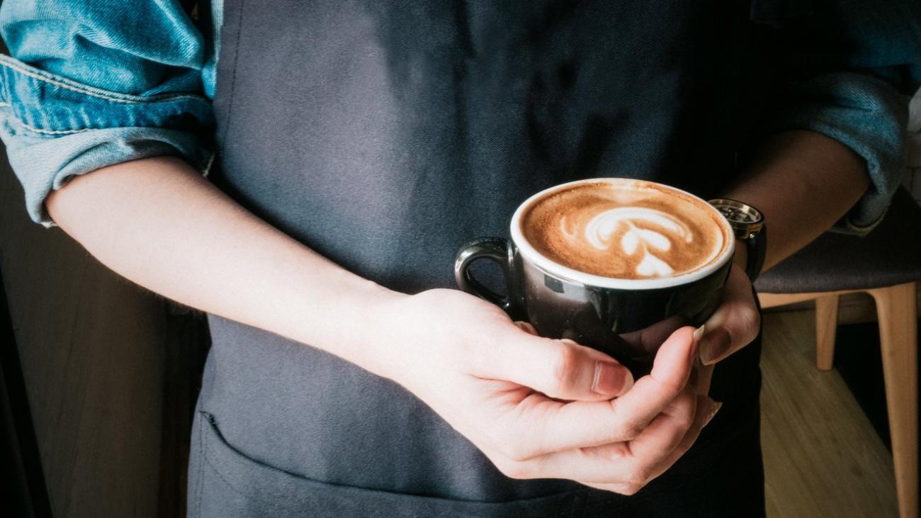rsz_adult-barista-beverage-cafe-373639